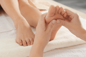 Massage sau sinh tại nhà