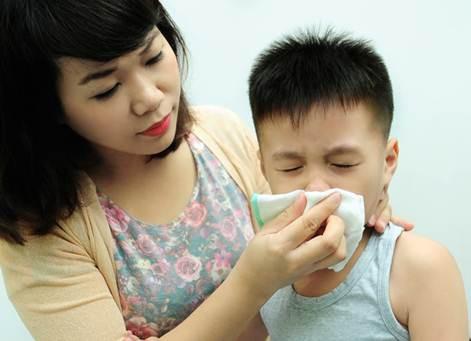 Những lưu ý chăm sóc trẻ viêm đường hô hấp cha mẹ nào cũng cần biết - Ảnh 4.