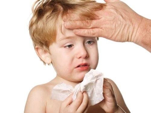 Những bệnh thường gặp ở trẻ khi giao mùa