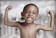 trẻ bị suy dinh dưỡng thấp còi